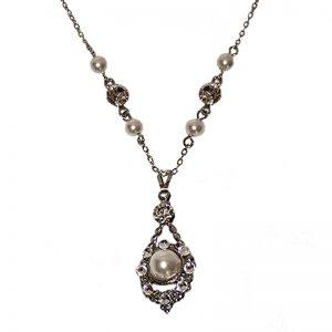 Swarovski Crystal and Pearl Necklace – CARYnl